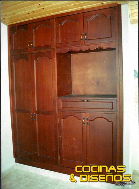 Closets en armenia cocinas y disenos del quindio 05 for Disenos de puertas de madera para closets